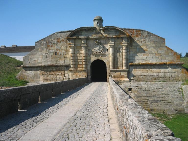 Forte_Almeida_-_Porta_S._Francisco